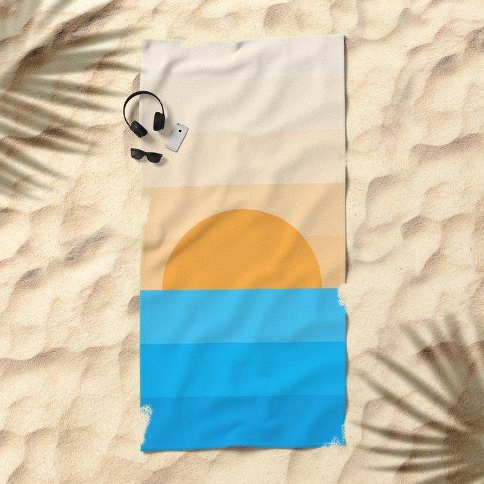 Sun goes down Beach Towel