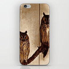 Couldn't Give Two Hoots! iPhone & iPod Skin