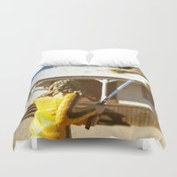 kill bill Duvet Covers featuring Kill Bill: The Bride Returns by Chris Bergeron
