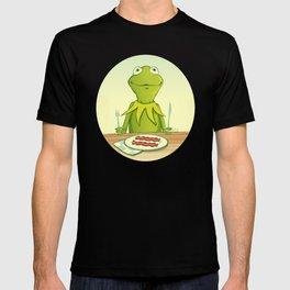 Kermit Loves Facon T-shirt