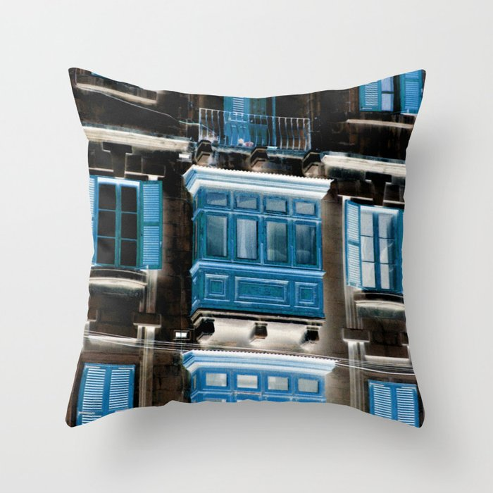 balcon blu Throw Pillow