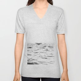 WHITE - SEA - WAVES - WATER - WHALE - NATURE - ANIMAL - PHOTOGRAPHY Unisex V-Neck