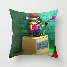 Minion love Throw Pillow