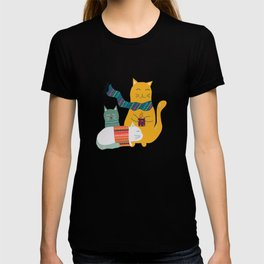 Cat cuddle -Hand Draw T-shirt
