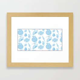 Coquillage in white Framed Art Print