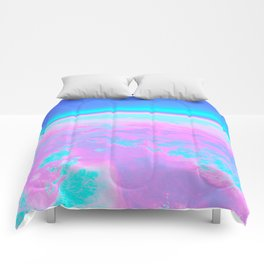 Holographic Planet Comforters