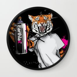 Earthlak : graffiti tiger Wall Clock