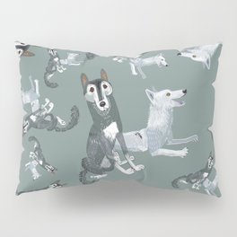 Totem Canadian wolf 1 Pillow Sham