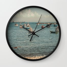 le port  Wall Clock