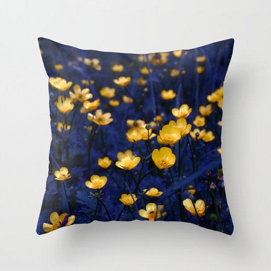 a sea of buttercups Throw Pillow