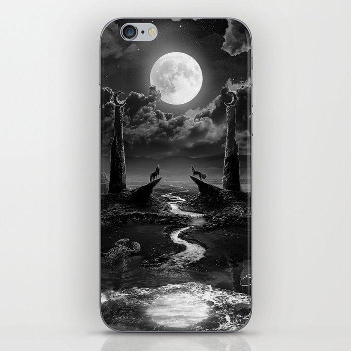 XVIII. The Moon Tarot Card Illustration iPhone Skin