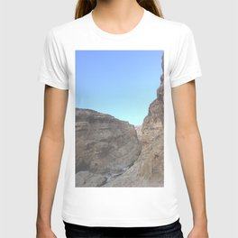 Oman Ravine Rocky Hills Photography Art Print  T-shirt