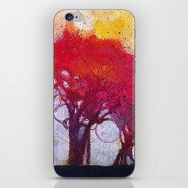 Alberi nel bosco iPhone Skin