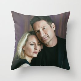Gillian Anderson and David Duchovny oil color painting Throw Pillow