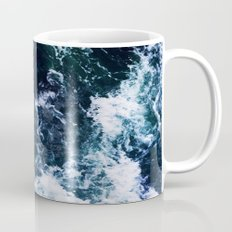 Wild ocean waves Mug
