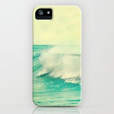 The force of the waves iPhone (5, 5s) Slim Case