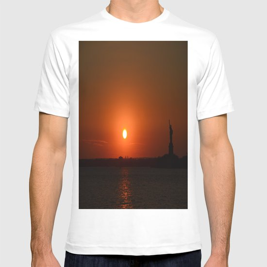 A Sunset With Lady Liberty T-shirt