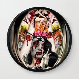 Medaillon Wall Clock