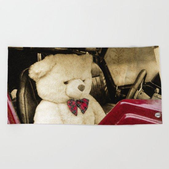 TEDDY GOES FOR A DRIVE Beach Towel