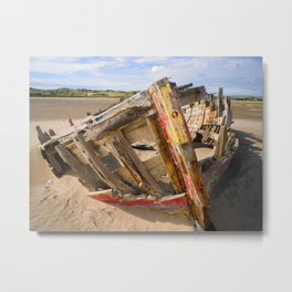 BOAT WRECK AT CROW POINT BEACH NORTH DEVON Metal Print