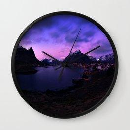 Reine II Wall Clock