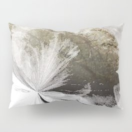 Breath of frost Pillow Sham