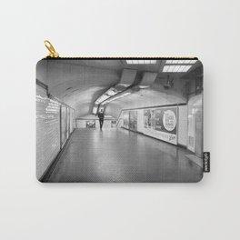 Dans le métro parisien Carry-All Pouch
