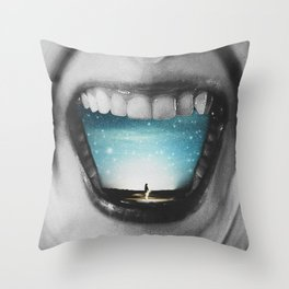 Shout out your dream Throw Pillow