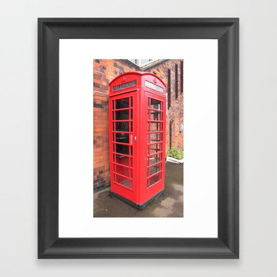 red phone call box london Framed Art Print
