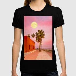Super Moon At Sunset T-shirt