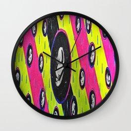 Retro Peeper Wall Clock