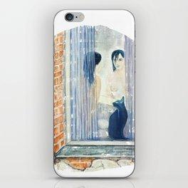 Katze am Fenster, Frau vor dem Spiegel iPhone Skin