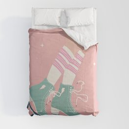 Roller skate girl 001 Comforters