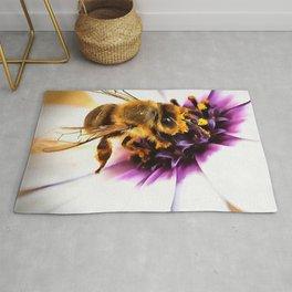 Springtime Honeybee On White African Daisy Rug