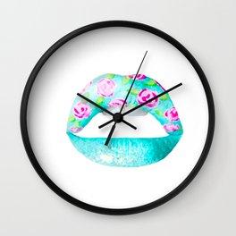 Labios rosados Wall Clock