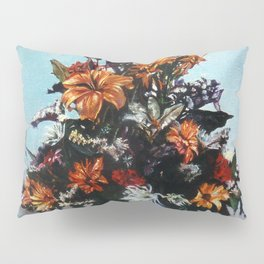 Bodegón de flores/Natureza morta de flores/Still life of flowers Pillow Sham