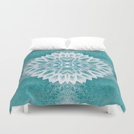 Chrystal in the distance Duvet Cover