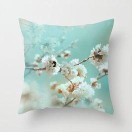 fuubutsushi (a sense of spring) Throw Pillow
