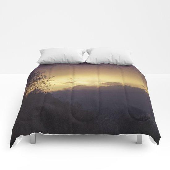 Chasing the night away Comforters
