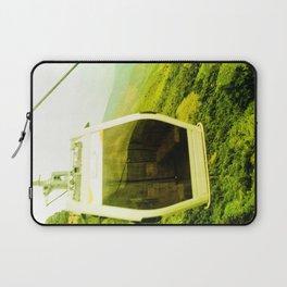 Cableway santandereano in green. Laptop Sleeve