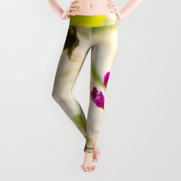 the flight of bumble bee on the bunes Leggings