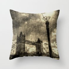 Tower Bridge vintage Throw Pillow