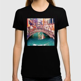 Small Bridge in Venice T-shirt