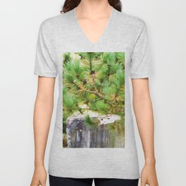 Evergreen tree branches with cones Unisex V-Neck