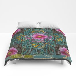 GRUNGY ANTIQUE PINK FLORAL CELTIC PATTERN Comforters