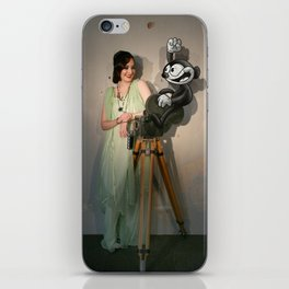 A Night at the Pictures 2 iPhone Skin