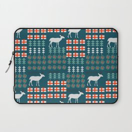 Cheerful Christmas pattern with deer Laptop Sleeve