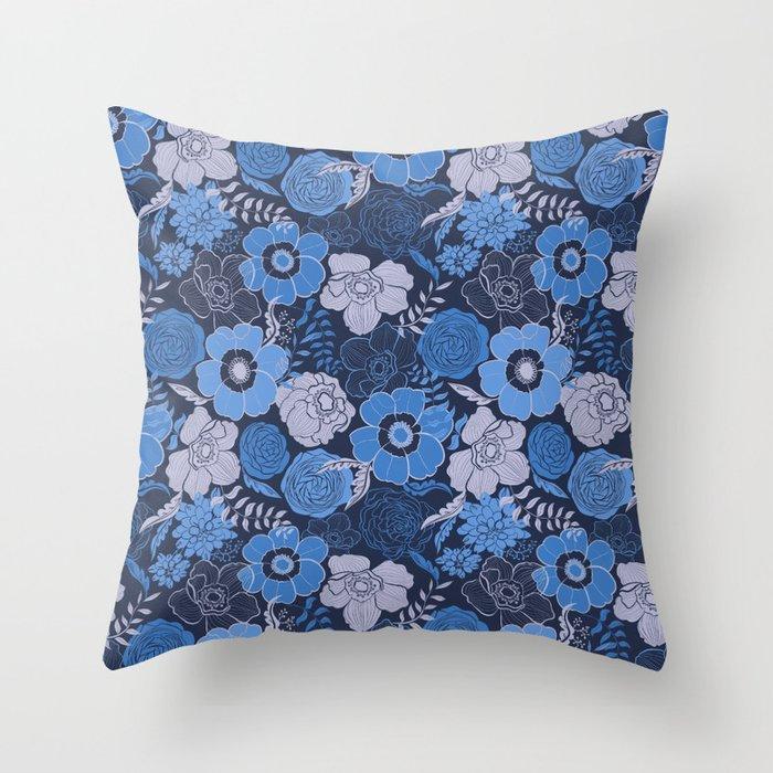 blue anemones and roses Deko-Kissen