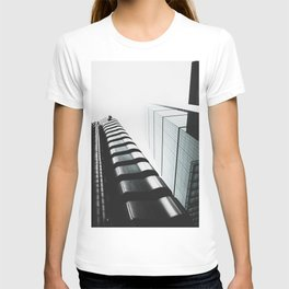 London, England 81 T-shirt