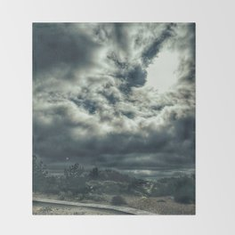 Thunder is coming Throw Blanket